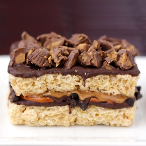 chocolate-pretzel-peanut-butter-cup-krispy-treats--500x500