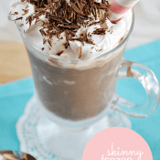 This is my favorite skinny recipe to date! It only takes 3 simple ingredients to whip up this delicious and SKINNY Frozen Hot Chocolate! | www.somethingswanky.com
