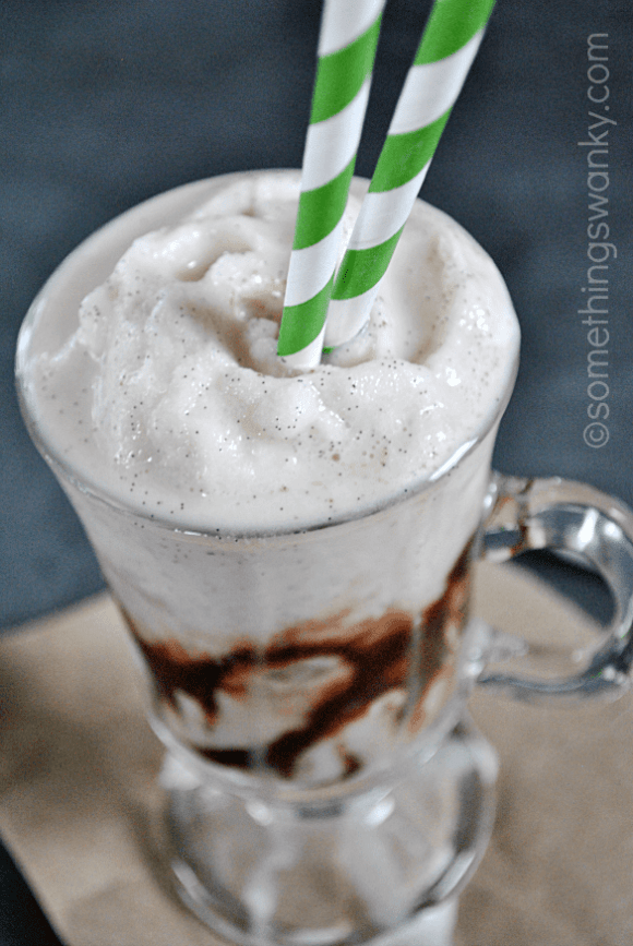 Starbucks Vanilla Bean Frappuccino | www.somethingswanky.com