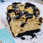 Pumpkin Oreo Cheesecake Bars | www.somethingswanky.com