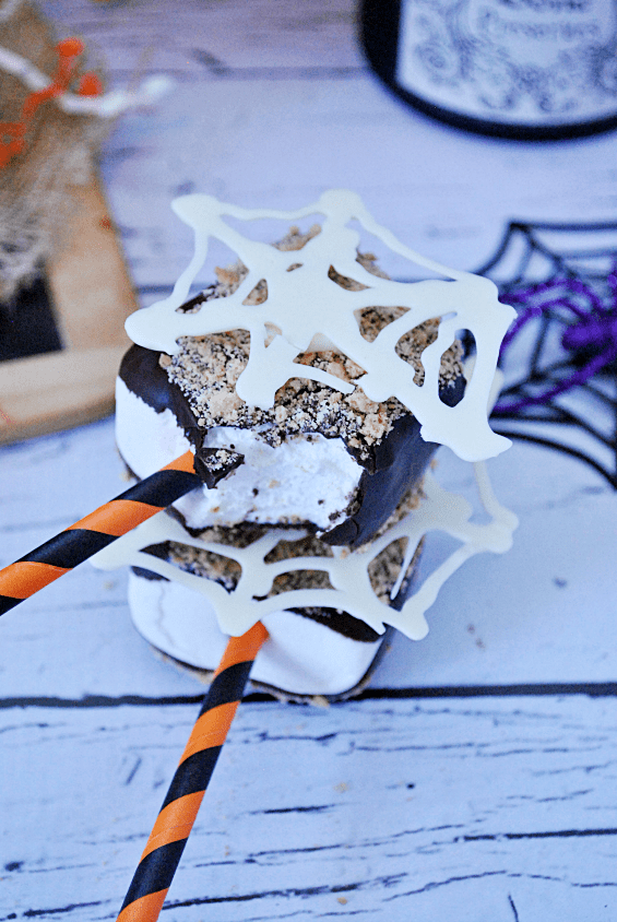 Spiderweb S'mores Pops | www.somethingswanky.com