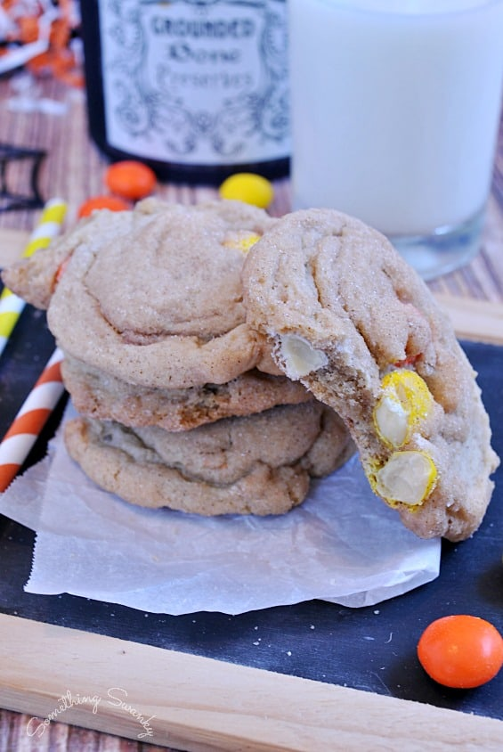 White Chocolate M&M Snickerdoodle Pudding Cookies | www.somethingswanky.com