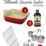 Win a Williams-Sonoma Ultimate Brownie Baker Gick Pack at www.somethingswanky.com