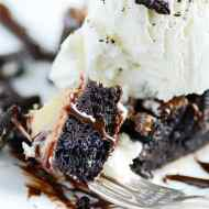 Calling all Oreo lovers! This pie is just for you :)