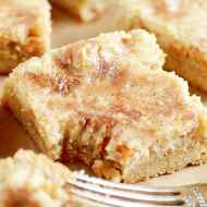 Snickerdoodle Gooey Cake Bars
