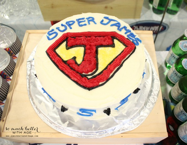 Superhero birthday cake / How to ice and decorate a cake like a pro somuchbetterwithage.com