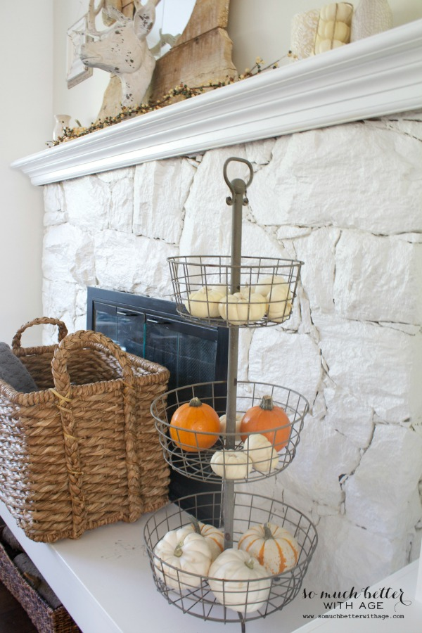 Paint your 80s fireplace with spray paint / white fireplace