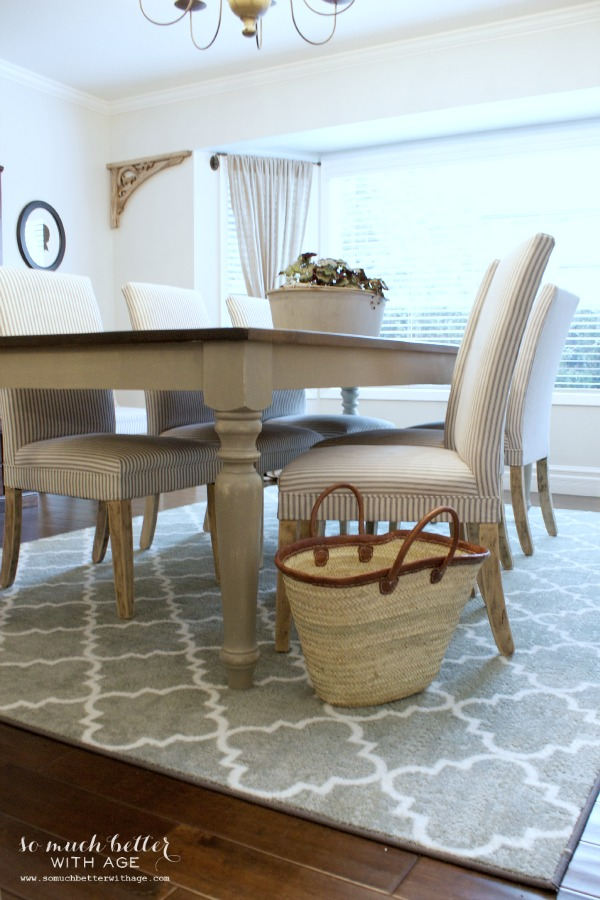 Rustic dining chairs | somuchbetterwithage.com