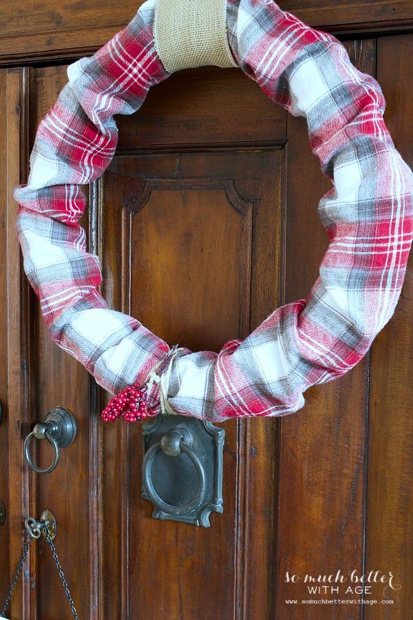 Plaid Christmas wreath | somuchbetterwithage.com