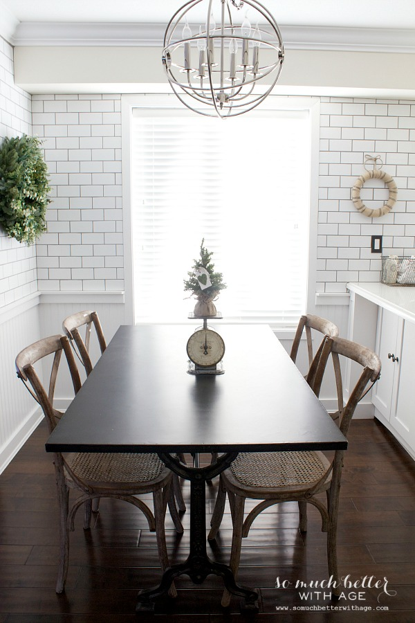 Christmas in Newly Renovated Kitchen | somuchbetterwithage.com