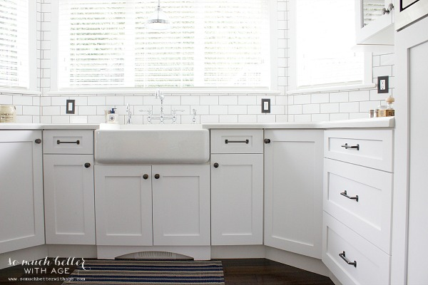 White porcelain sink