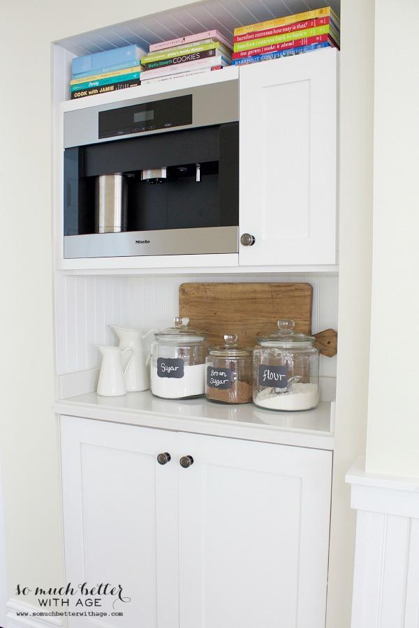 Mini butler pantry updates | somuchbetterwithage.com