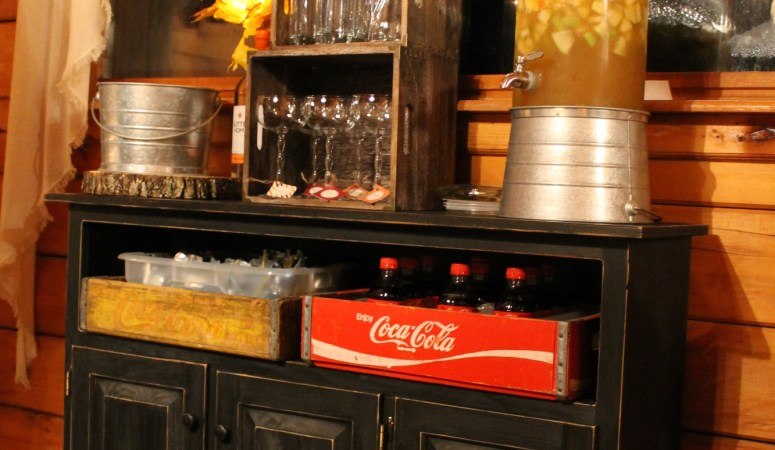 How to make a drink station for a party
