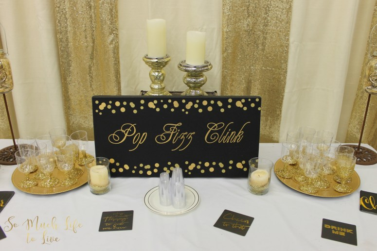 new-years-eve-black-gold-glitter-party-drink-table