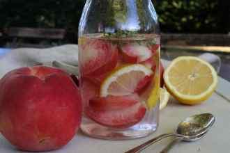 Acqua_detox_Pesca_limone