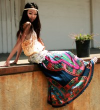 1296789_10._Laying_Out_Printed_Skirt