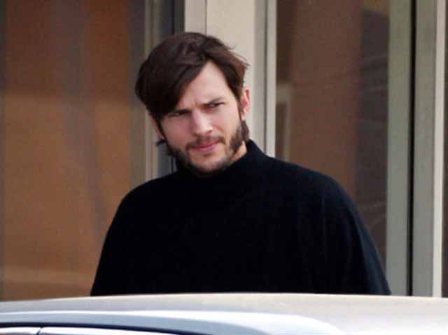 Steve_Jobs_Ashton_Kutcher