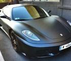 ¿Quién quiere asientos de cuero cuando se tiene un Ferrari con exterior de cuero?