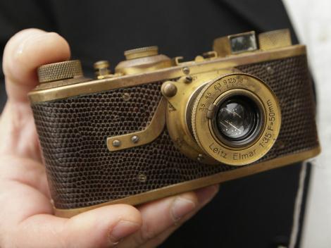 DD Douglas Leica