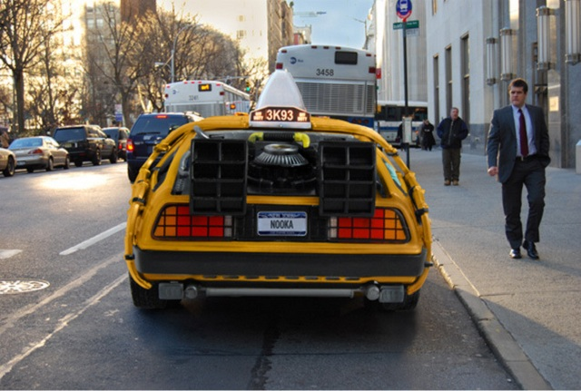 El Taxi Delorean