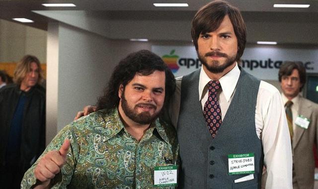 Ashton Kutcher y Josh Gad