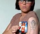 Desenmascaran al ¿peor tatuador del mundo?...