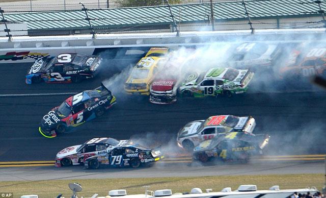 Accidente-NASCAR-Daytona-1