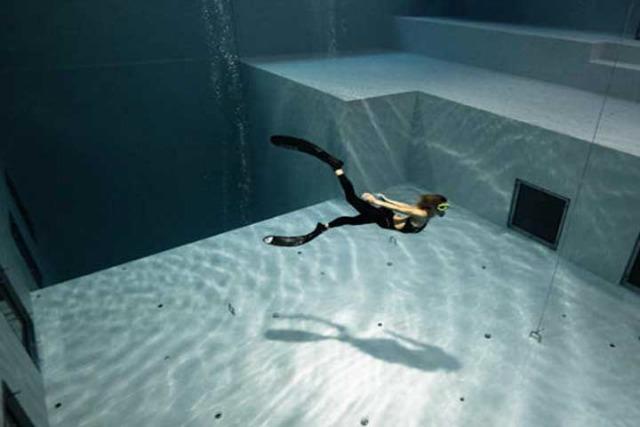 Nemo33 for Piscina mas profunda del mundo