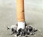Compañía cigarrera dará millonaria indemnización a viuda de fumador