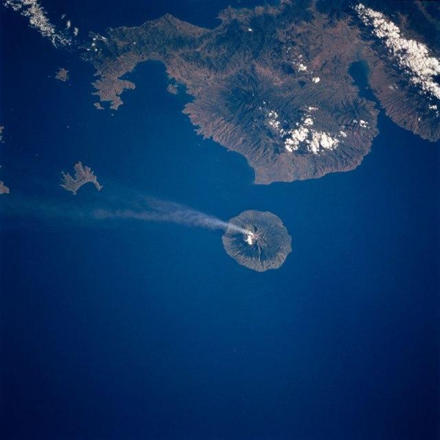api-volcano-from-space-aerial-nasa