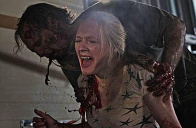 Walking Dead - Más Allá de la Formación