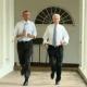 Video: Obama trotando estúpidamente por la casa Blanca