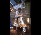 Liam Gallagher acepta el reto #IceBucketChallenge y reta a... ¡Noel!