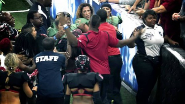 Video: ¡Se armaron los trancazos en la Lingerie Football League!