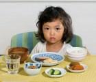 Esto desayunan algunos niños de diferentes países