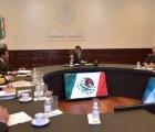 Tres semanas después, EPN discute con gabinete de Seguridad desaparición de normalistas