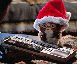 Un bonito sweater navideño para todos los fans de los Gremlins