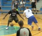 ¿Recuerdan a Jason Williams? Volvió a jugar basquetbol y todavía tiene con qué