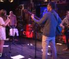 """Mira una interpretación de """"Go Away"""", la colaboración entre Weezer y Best Coast"""