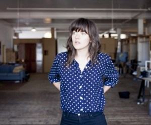 Courtney-Barnett-608x405