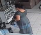 Video: Mujer roba pantalla de plasma en 13 segundos