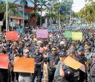 Más protestas en Guerrero: policías de Acapulco exigen pagos