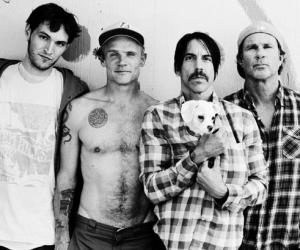 1158009-REdHotChiliPeppers2011-617
