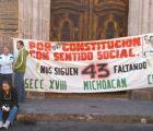Integrantes de la CNTE toman alcaldía de Morelia por Ayotzinapa