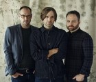 "Death Cab for Cutie nos sigue preparando para Kintsugi con ""No Room In Frame"""