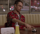 Mira la fiesta privada de Sam Rockwell en el nuevo video de Flight Facilities