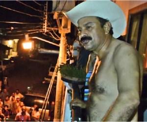 """50 mil cartones de chelas y El Recodo: fiesta de alcalde que """"roba poquito"""""""