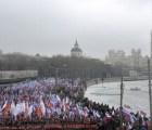 Miles marchan en Rusia por asesinato de Nemtsov