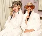 Madonna y Ellen DeGeneres, cantan juntas en un baño