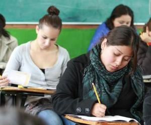 mujeres_estudiando_